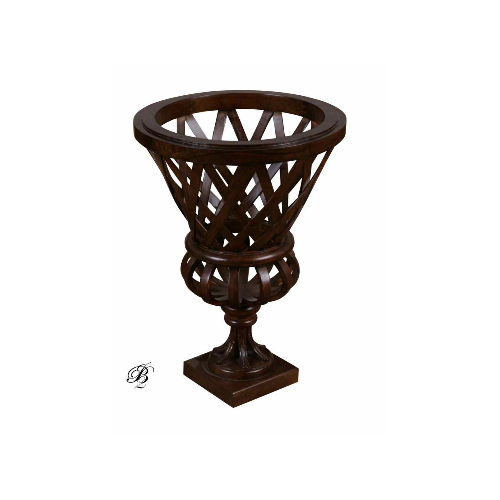 Vase en bois tréssé