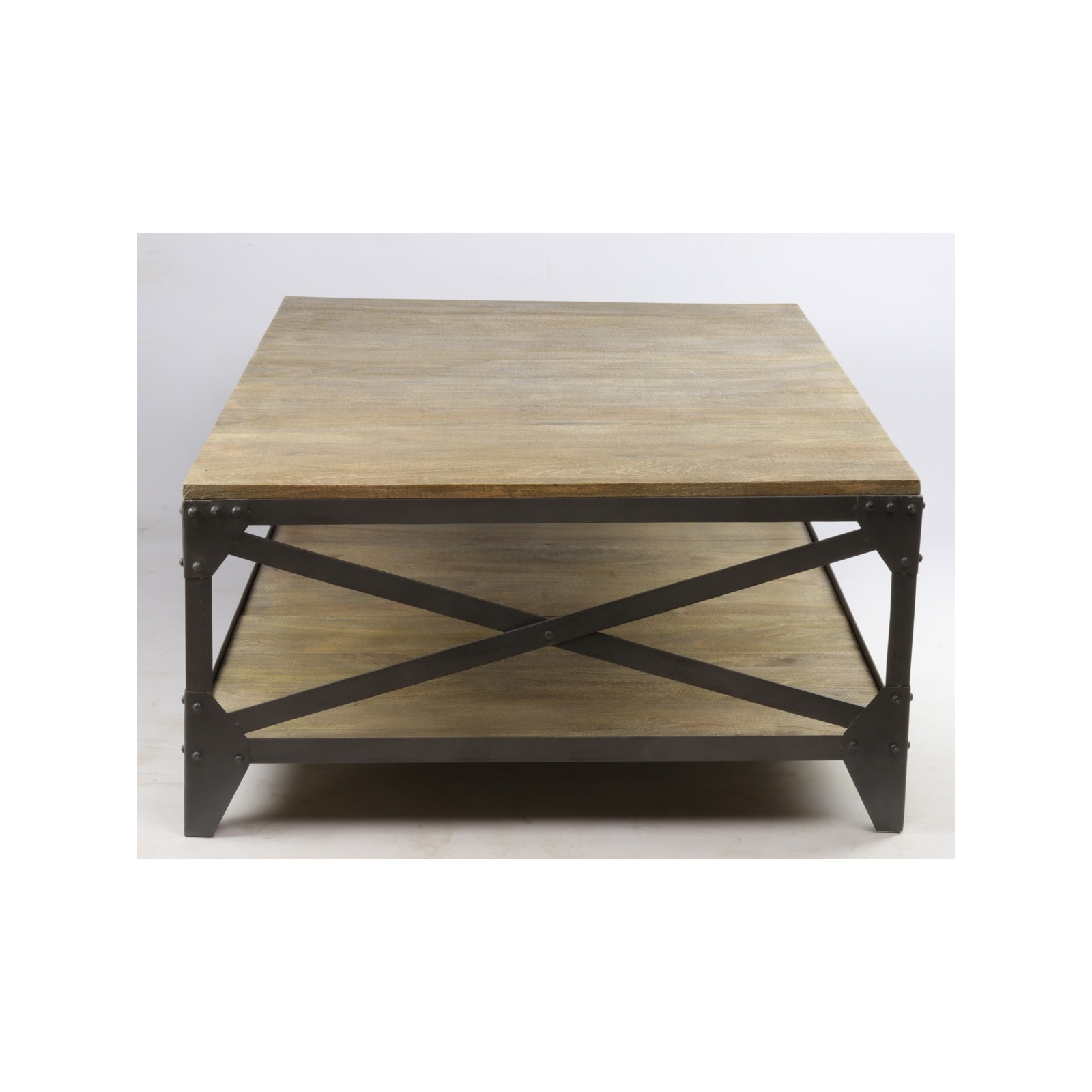 table basse industrielle jp2b d coration. Black Bedroom Furniture Sets. Home Design Ideas